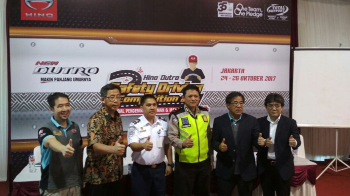 "Photo of PT. Hino Motor Menggelar ""Hino Dutro Safety Driving Competition"" di Jakarta"